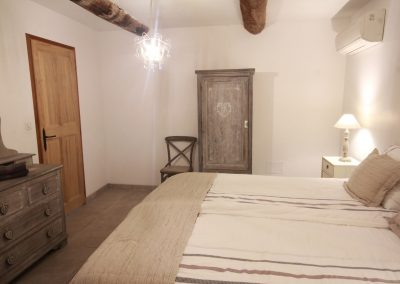 The room on the ground floor of the Olivade gîte