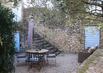 The terrace of the Petit Paradis gîte
