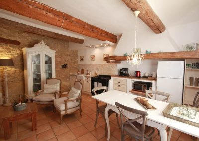 The kitchen-dining room of the Picholine gîte
