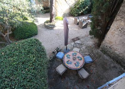 Top view of the terrace of the Salonenque gîte