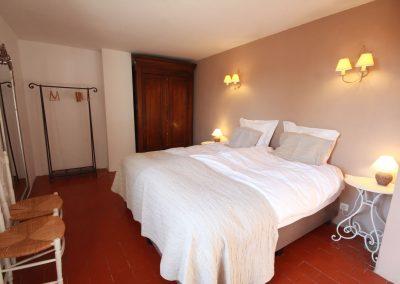 The double room in the Salonenque gîte