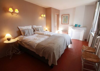 The bedroom for 3 persons in the Salonenque gîte